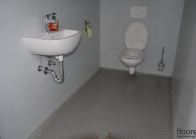 Industrie-WC-Fugenfrei-Abwaschbar-fuer-Extremsituationen-www.floorex.at_-scaled - Kopie